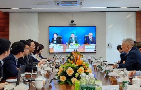 上海期货交易所党委书记、理事长姜岩一行到访前海联合交易中心